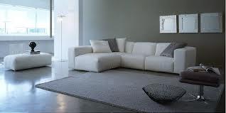 Мягкая мебель в гостиную: классический или угловой диван?