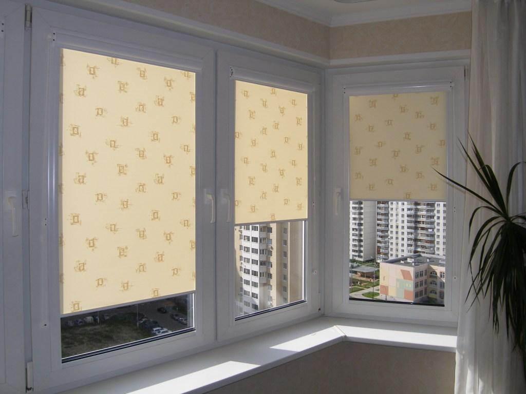 Шторы на пластиковые окна - лучшие фото идеи установки штор .
