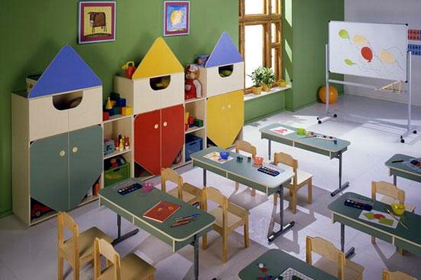 С начала года в детских садах днепропетровска открыто 17 доп.